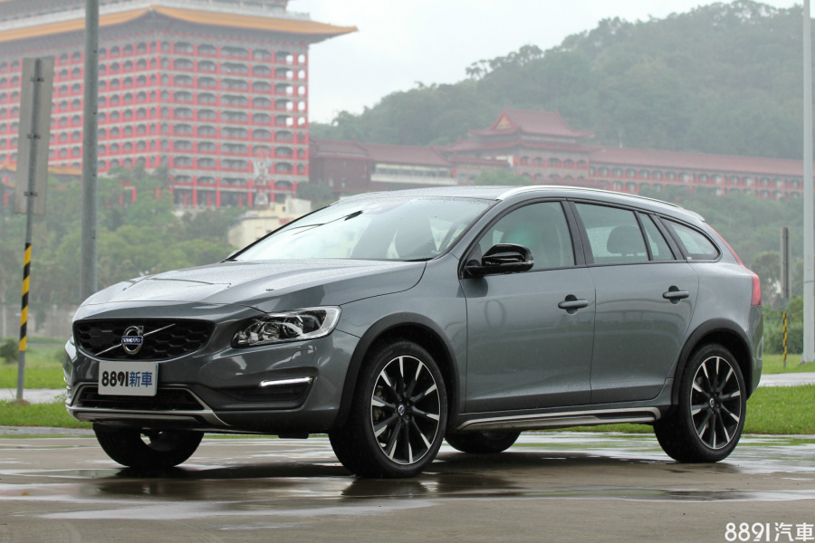 Volvo V60 Cross Country 外觀圖片