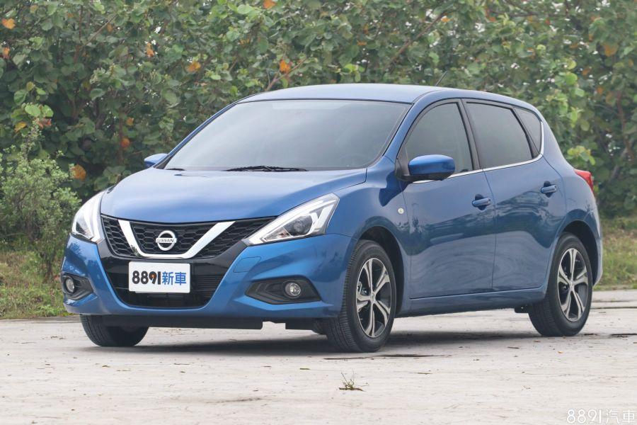Nissan Tiida 5D 外觀圖片